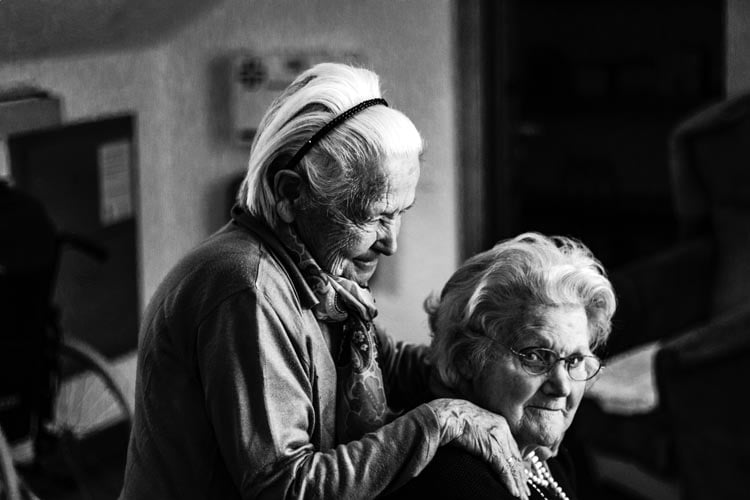 best senior housing options: a guide to home care services for seniors