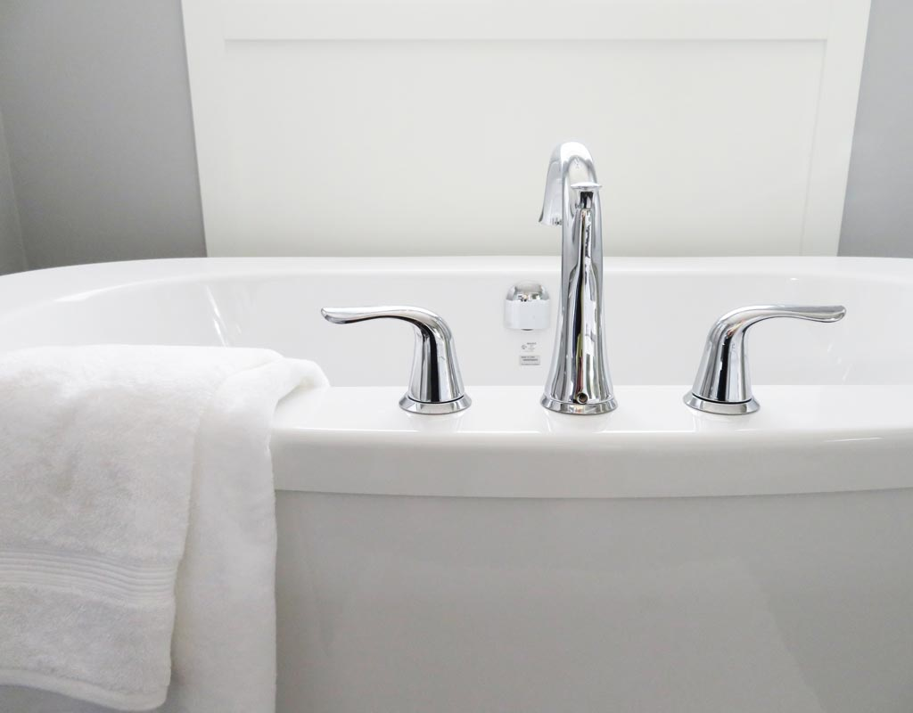 Are Whirlpool Tub Shower Combinations Safe for Seniors?