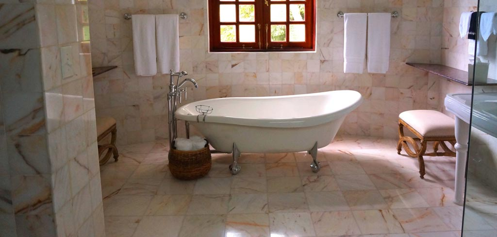 How to Make a Fiberglass Tub White Again